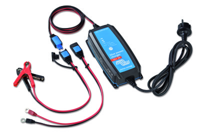 Victron acculader Blue Power IP65 12V 7A Blue-Power-IP65-Charger-12V-7A-+-DC-connector (1)
